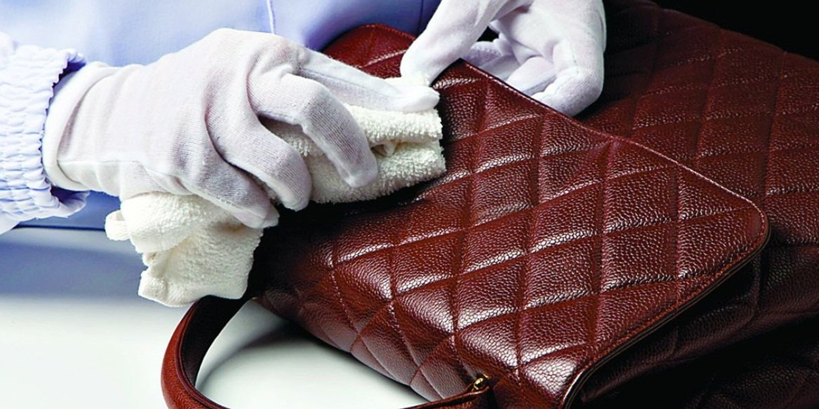 HOW TO KEEP YOUR HANDBAG CLEAN AND BACTERIA FREE